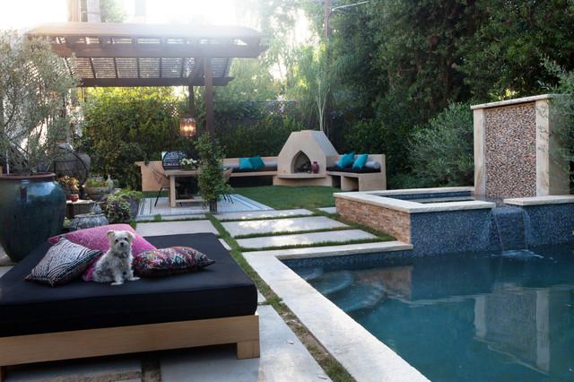 Выдающиеся фото от архитекторов и дизайнеров интерьера: бассейн в современном стиле