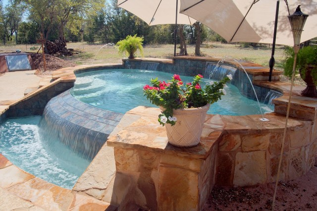luxury backyards traditional pool austin by cody. Black Bedroom Furniture Sets. Home Design Ideas