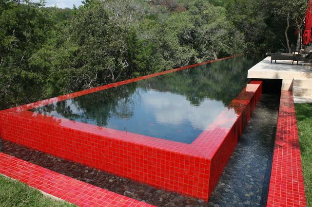 Matador modern-pool