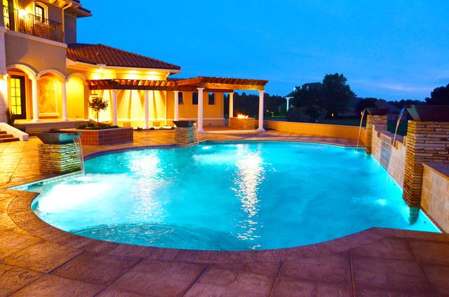 Memphis Pools Tahoe Blue Pebble Tec - Modern - Swimming Pool ...
