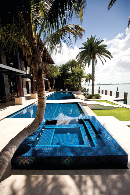 Miami beach beach style pool miami by aquatic consultants inc for Swimming pool construction miami