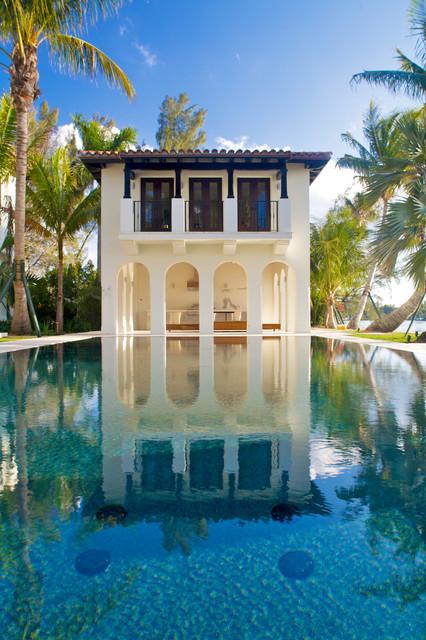 Miami mediterranean contemporary mediterranean pool miami by bart reines construction for Miami swimming pool contractors