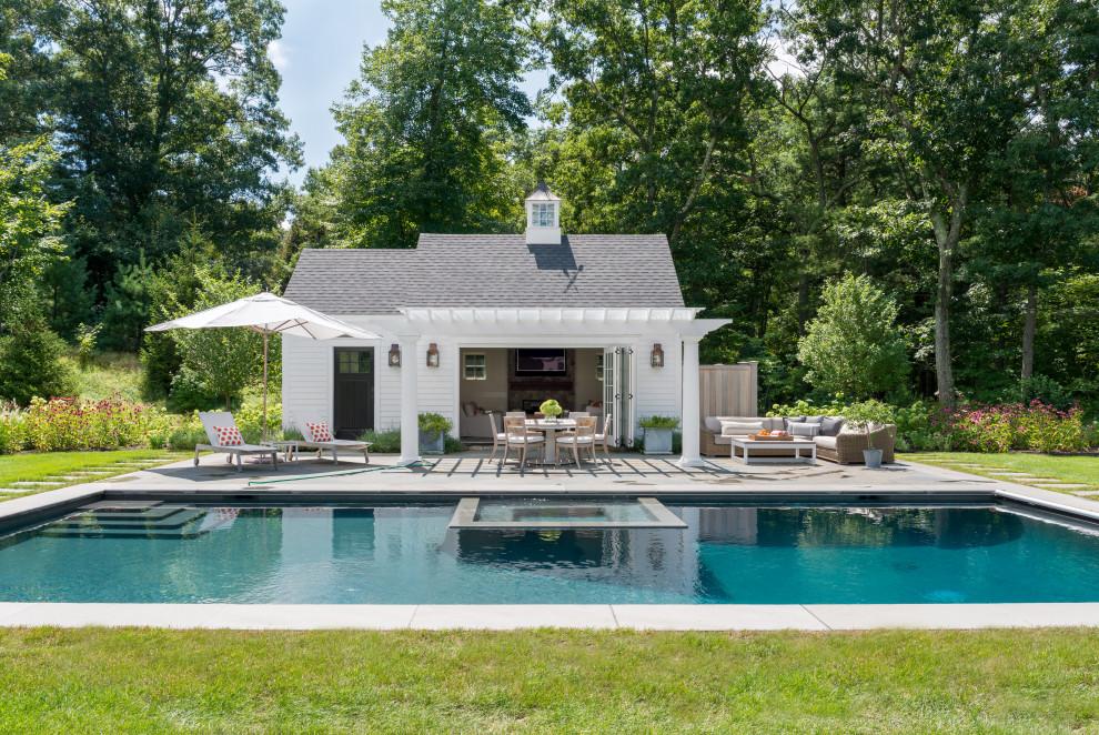 Elegant pool photo in Boston