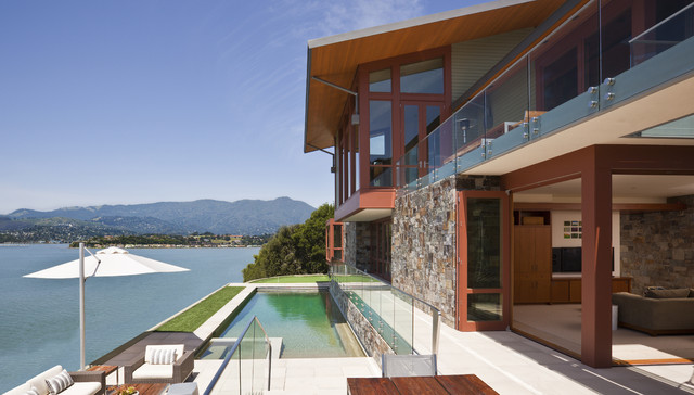 Modern Architecture by the Bay rustic-landscape