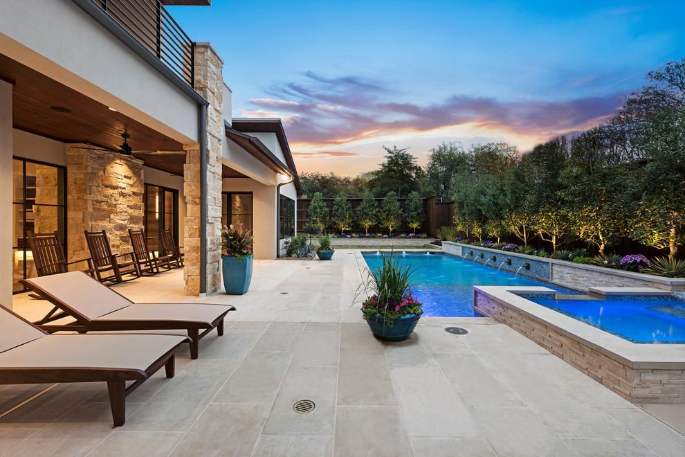 Minimalist pool photo in Dallas