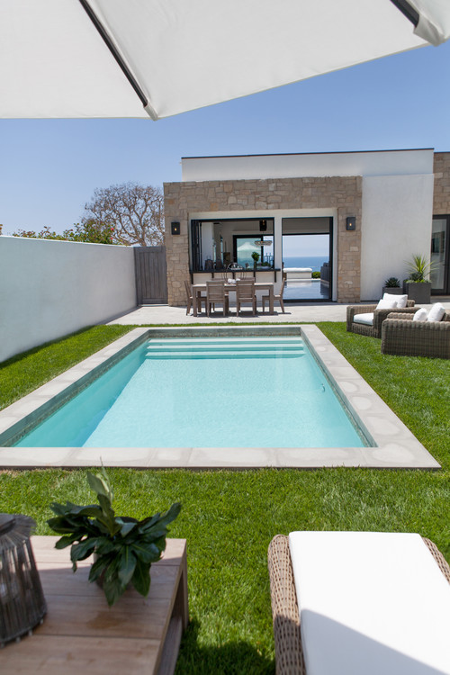 contemporary-pool Best Outdoor Wicker Patio Furniture
