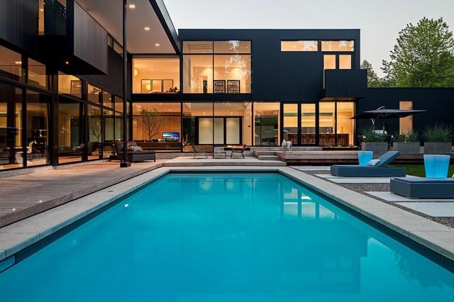 Modern home in oakville ontario modern pool toronto for Pool design london ontario