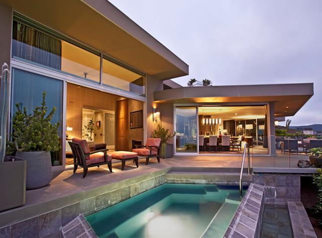 Modern home with a view modern pool orange county for Modern homes for sale in orange county