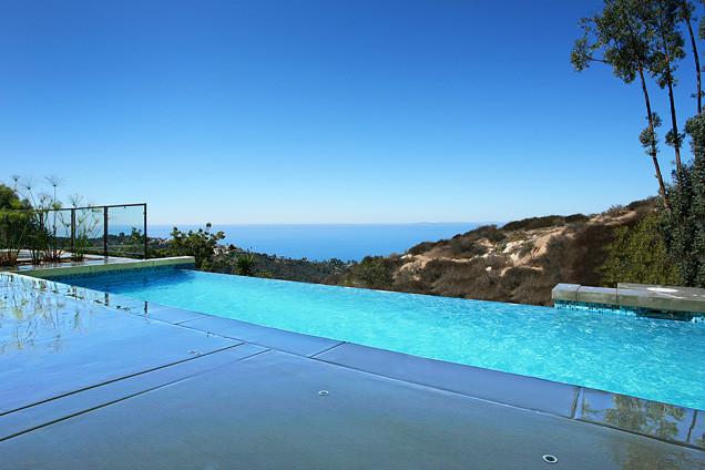 Modern homes in Laguna Beach contemporary-pool