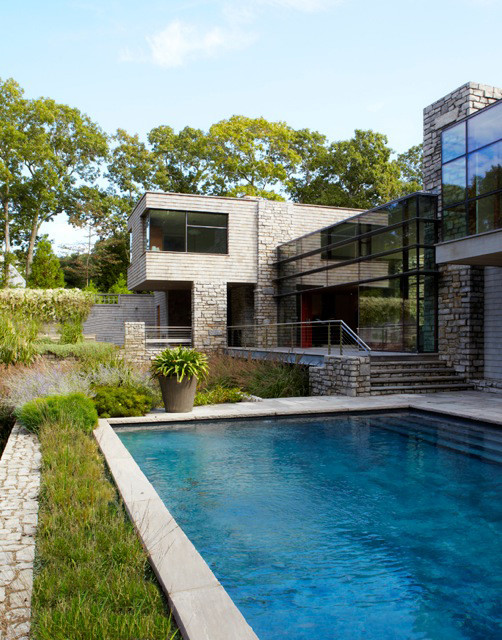 Modern indoor outdoor hampton home contemporary pool for Pool design hamptons