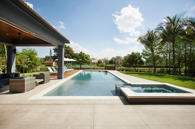 Modern pool deck ft lauderdale for Pool design fort lauderdale