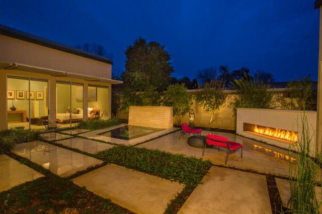 Modern Spa in Terrell Hills modern-pool