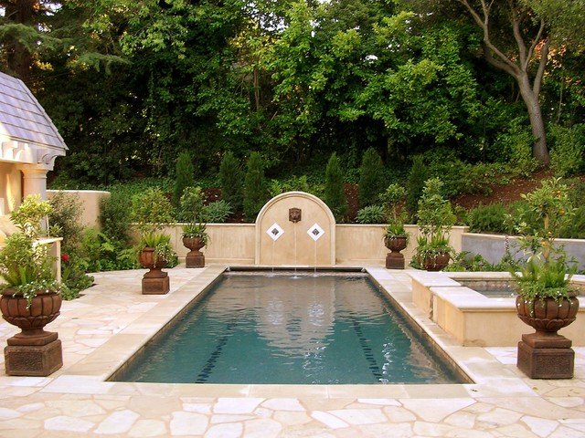 Monte Sereno Residence traditional-pool