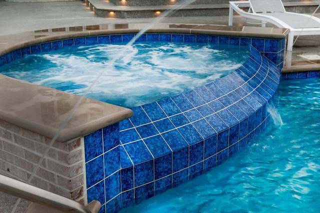 Morris, IL Infinity Edge Swimming Pool and Hot Tub ...