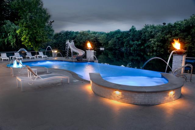 Morris Il Infinity Edge Swimming Pool And Hot Tub