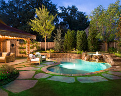 Natural Private Residence traditional-pool