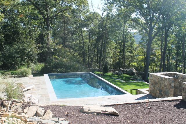 Natural setting swimming pool - Landhausstil - Pools - New ...