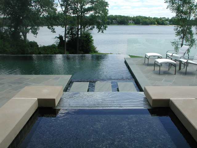 Negative edge pool in back yard landscape modern pool for Garden oaks pool