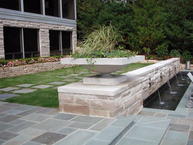 Negative Edge Pool in Back Yard Landscape modern-pool