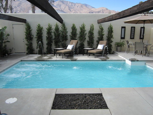 New palm springs pool with deck jet water features - Salt water swimming pools los angeles ...