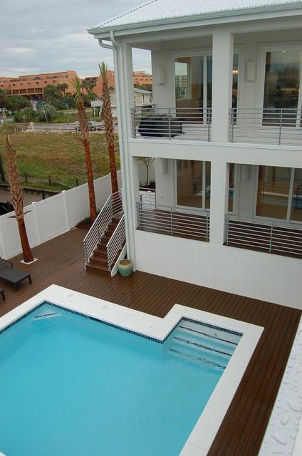 Norriego Destin contemporary-pool