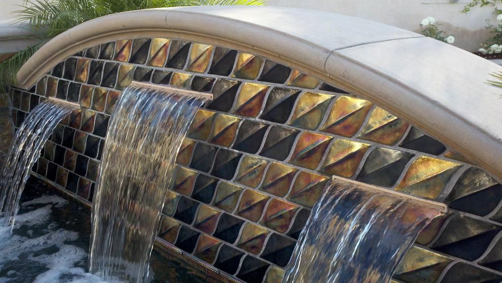 Oceanside Gltile Fountain Casa