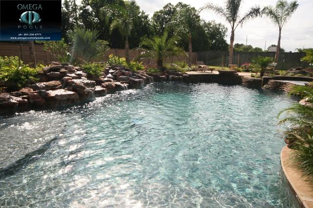 Omega 1 tropical pool