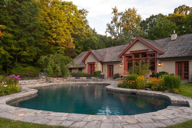 Diseño de piscina tradicional a medida