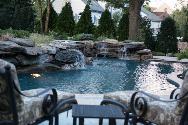 Outdoor Entertaining Space modern-pool