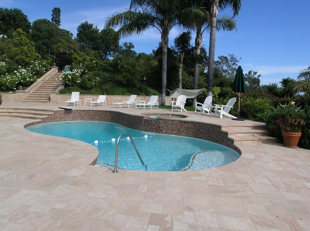 Outdoor Entertainment traditional-pool