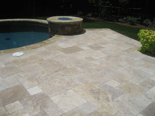 Outdoor living Charlotte traditional-pool