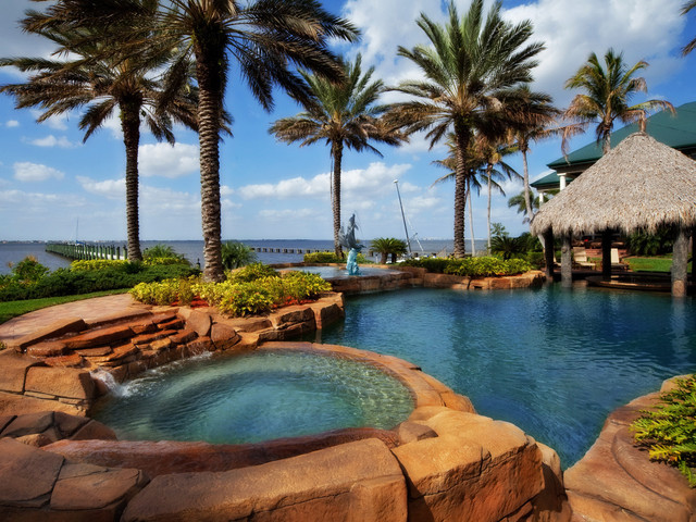 Outdoor Living Space on Tropical Outdoor Living id=49326