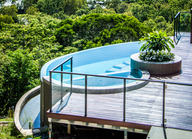 Outdoor tropical-pool