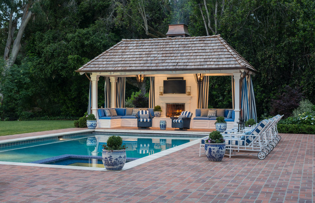 Outdoor pool cabana for Pool cabana designs