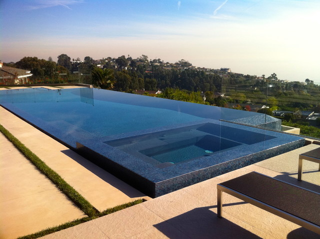 Pacific Palisades Infinity Pool