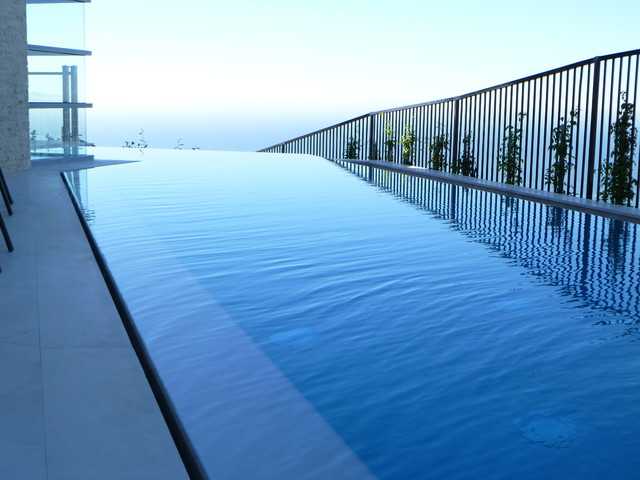 Palos Verdes contemporary-pool