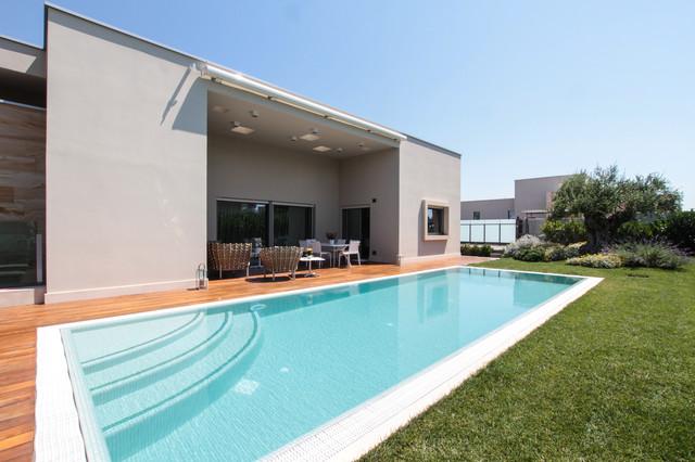 Parchitello alta for Casa moderna rettangolare