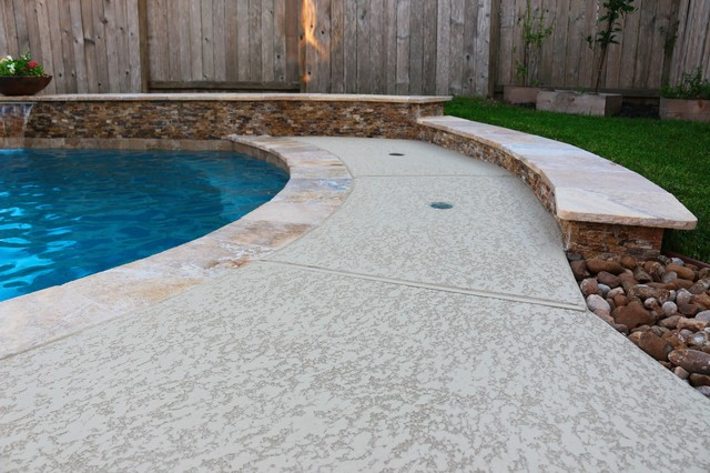 Patio Cover And Pool With Spa And Fire Feature In Long Meadow Farms Richmond Tx Traditional