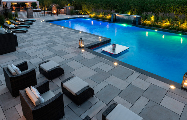 Patio perfection moderno piscina montreal de techo for Patios modernos con piscina