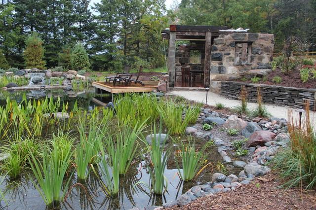 Plant filter bog in natural swimming pool rustic pool for Bog filter design