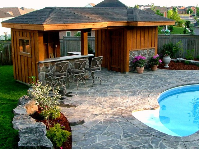 Pool cabana and bar area traditional pool toronto for Cabana bathroom ideas