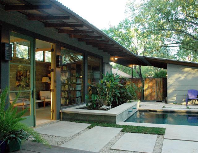 pool courtyard modern-pool