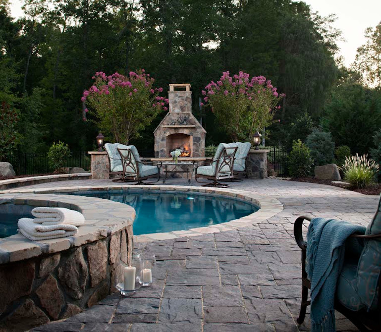 Inspiration for a timeless pool remodel in Los Angeles