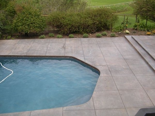 Example of a minimalist pool design in Raleigh