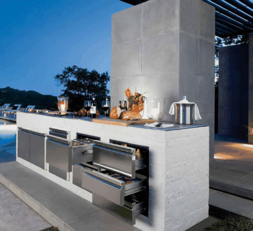 Pool outdoor kitchens ronda outdoors contemporary for Modern outdoor kitchen