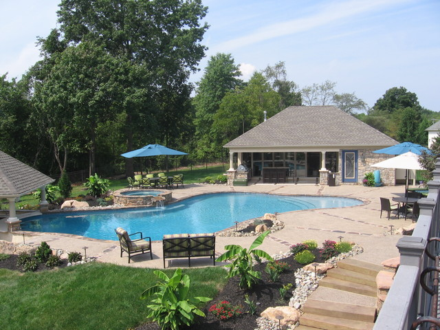 Pool, pool house and swim up bar traditional-pool