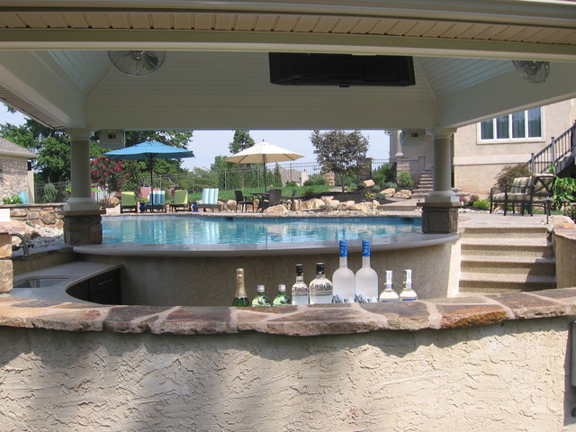Pool, pool house and swim up bar - Traditional - Pool ...