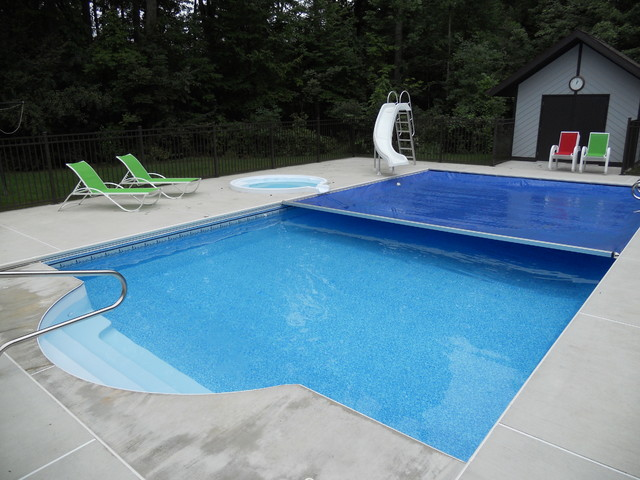 Pool W Spill Over Spa Auto Cover