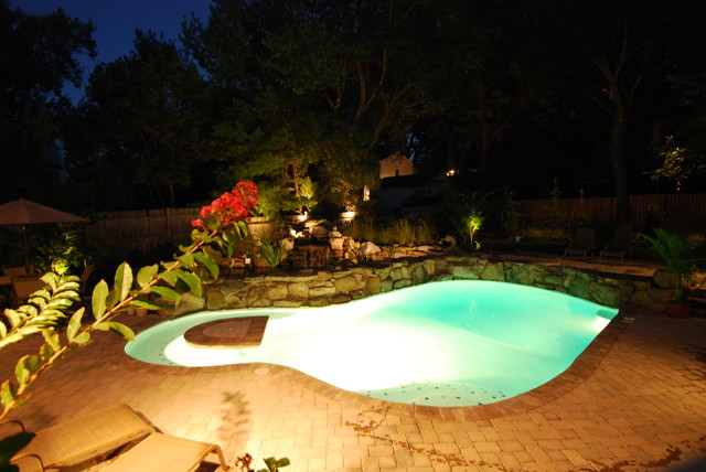 Pools contemporary-pool