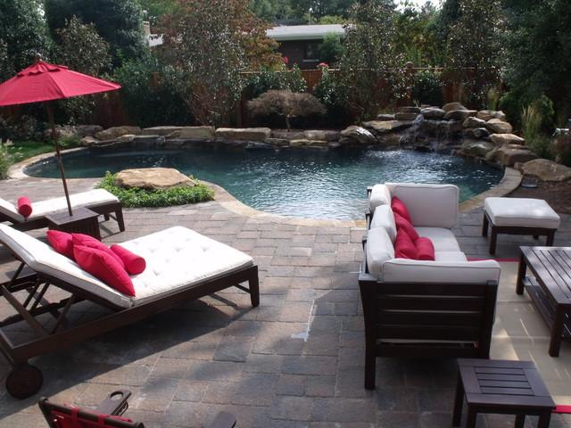Pools traditional-pool